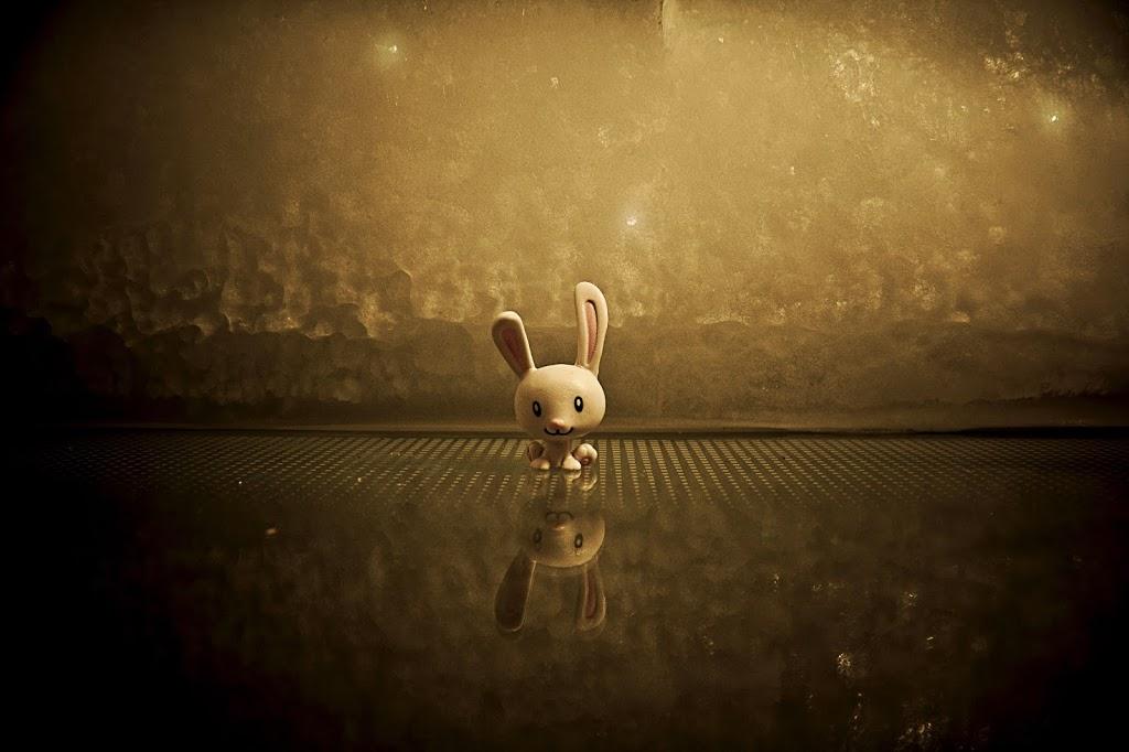 Jeśli gonisz dwa króliki, oba Ci uciekną.