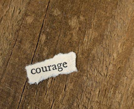 To, że czuję strach nie oznacza, że on istnieje. Boję się i robię.
